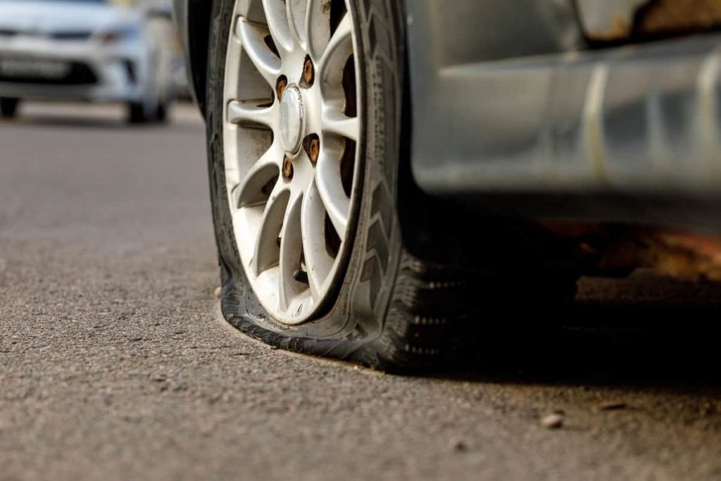 what causes a flat tire